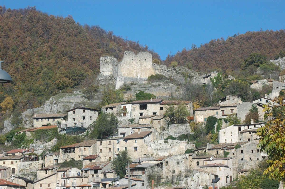 Il castello di Corvaro