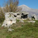 La tomba di Perseo e il monte Velino