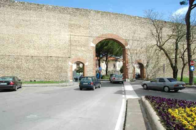 Porta Frascati