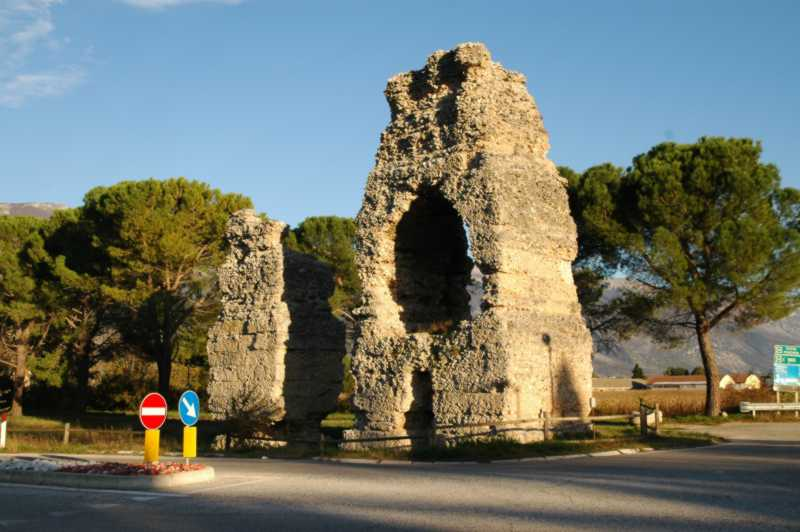 "I ""morroni"", monumenti funerari"