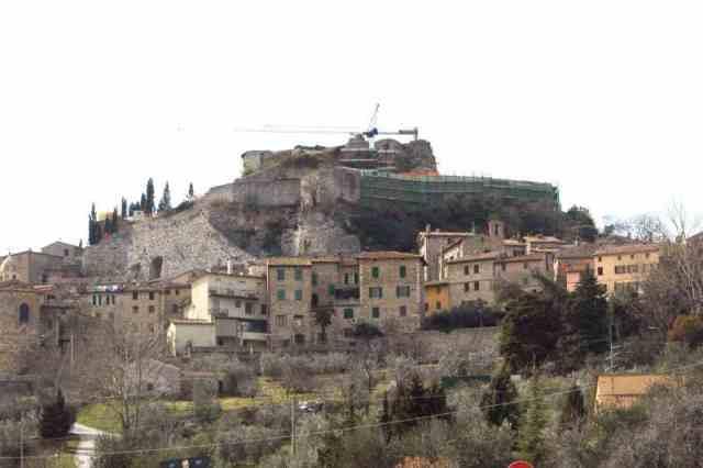 Il borgo e la rocca Aldobrandesca