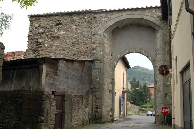 Una porta delle mura