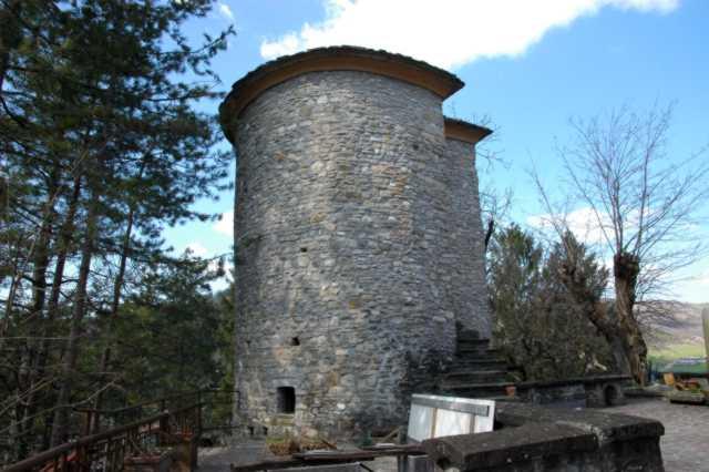 La torre superstite del castello